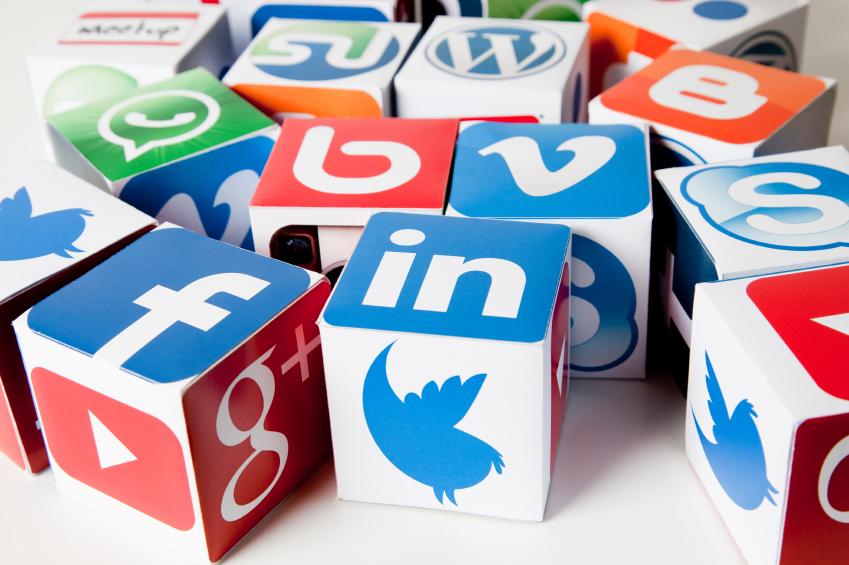 Répondre aux commentaires (positifs et négatifs) sur les réseaux sociaux